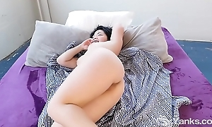 Yanks Asian Hope Gold Learns to Love Their way Body More