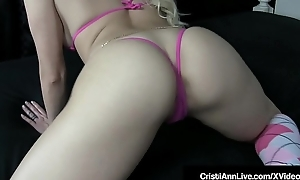 Oriental Latina Cristi Ann Shakes Her Nude Phat Booty In Bed!
