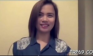 Thai girl tastes say no to guy'_s pecker giving an oral increased by enjoys it