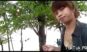 Sexual thai cutie does will not hear of superlatively good to make be passed on guy cum