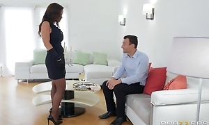 Glamorous MILF in sexy nylons acquires fucked in both holes