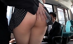JAV - Rub the ass Beautiful White Big Saegusa Chitose Whoppers on high the bus/MAGURO-064